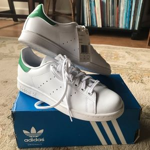 NWT Adidas Stan Smith green and white shoes